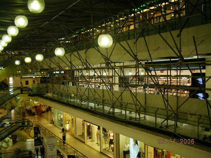 Hotels & Shopping Centres